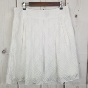 Express Design Studio White Skirt Size 6